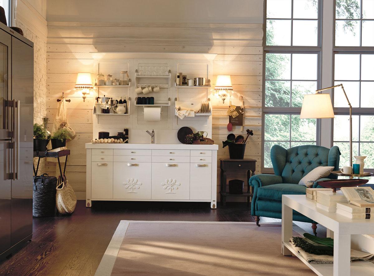 Bucatarie mica si cocheta, perfecta pentru o casa de vacanta