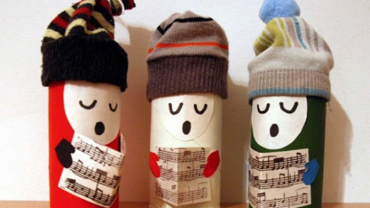 christmas_carol_singers_DIY_decoration_toilet_roll