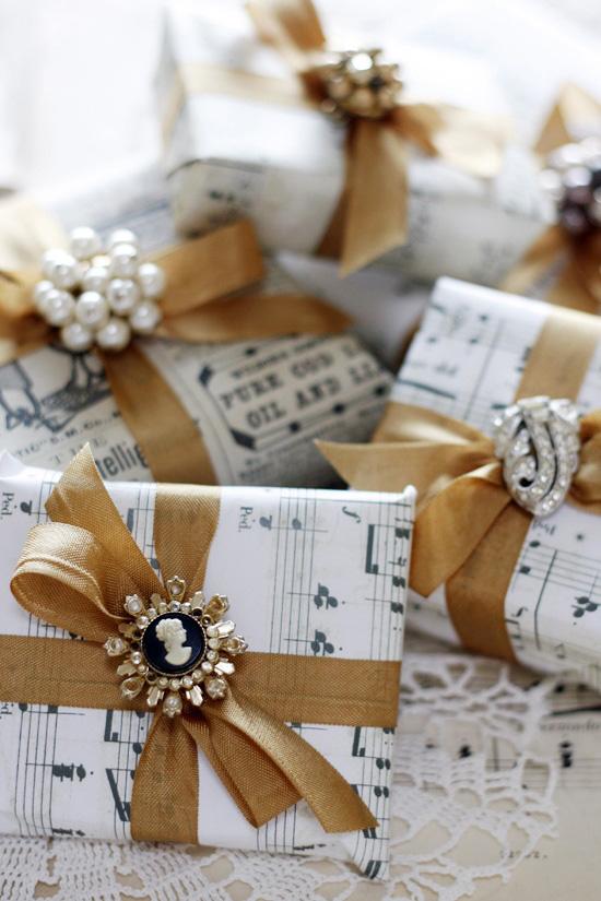 hartie-note-muzicale-impachetat-cadouri