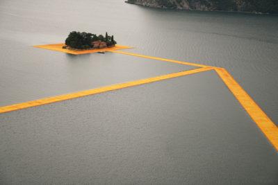 The Floating Piers – experimenteaza senzatia mersului pe apa