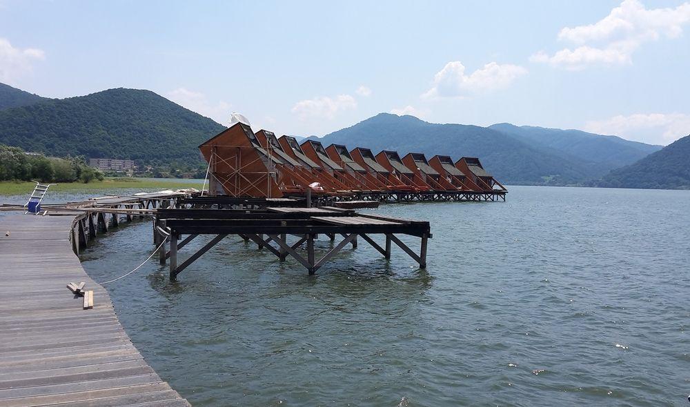 hotel plutitor berzasca 2