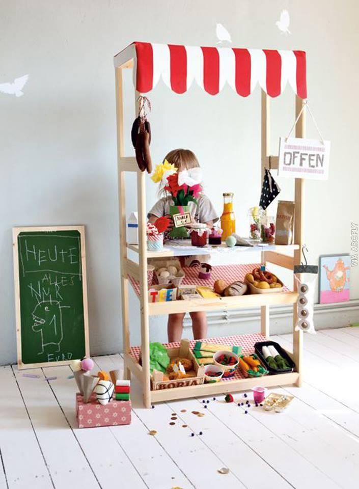 Locuri de joaca si jucarii creative, din obiecte reciclate