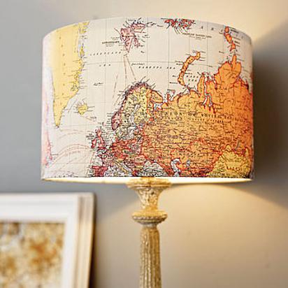 abajur cu harta lumii