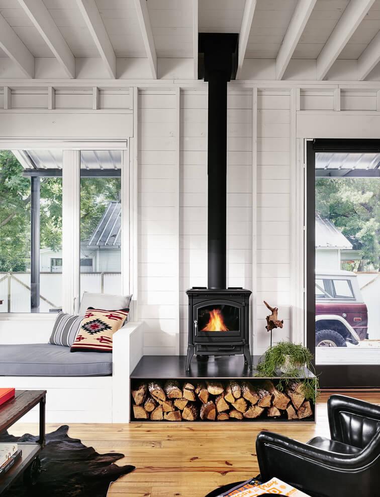 casa-din-lemn-cu-semineu