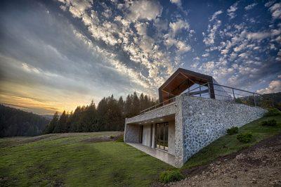 Primul resort montan de case ecologice din Romania