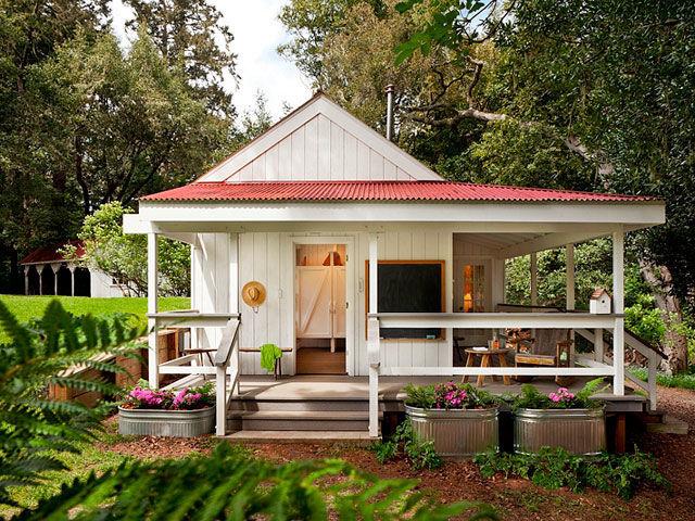 case-mici-din-lemn