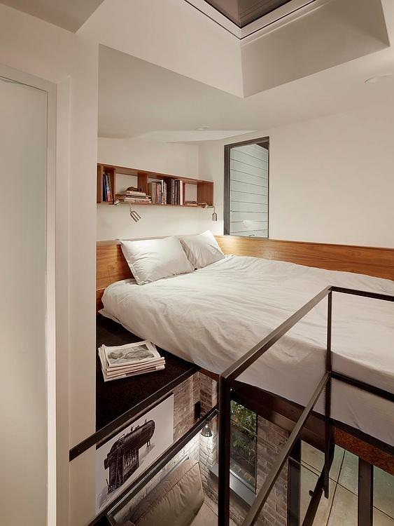 case-mici-dormitor-pe-platforma