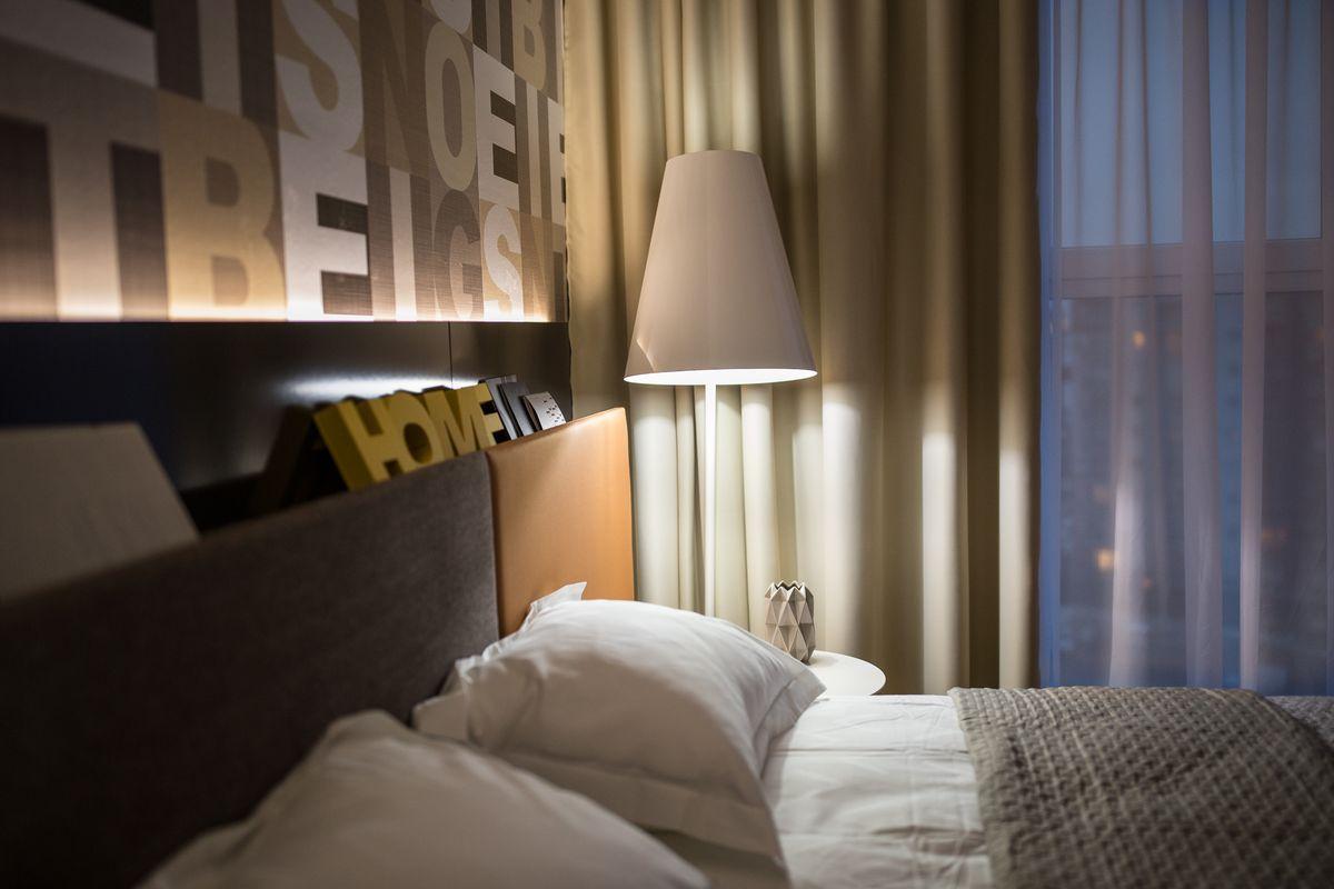 penthouse-din-brasov-lampadar-gri