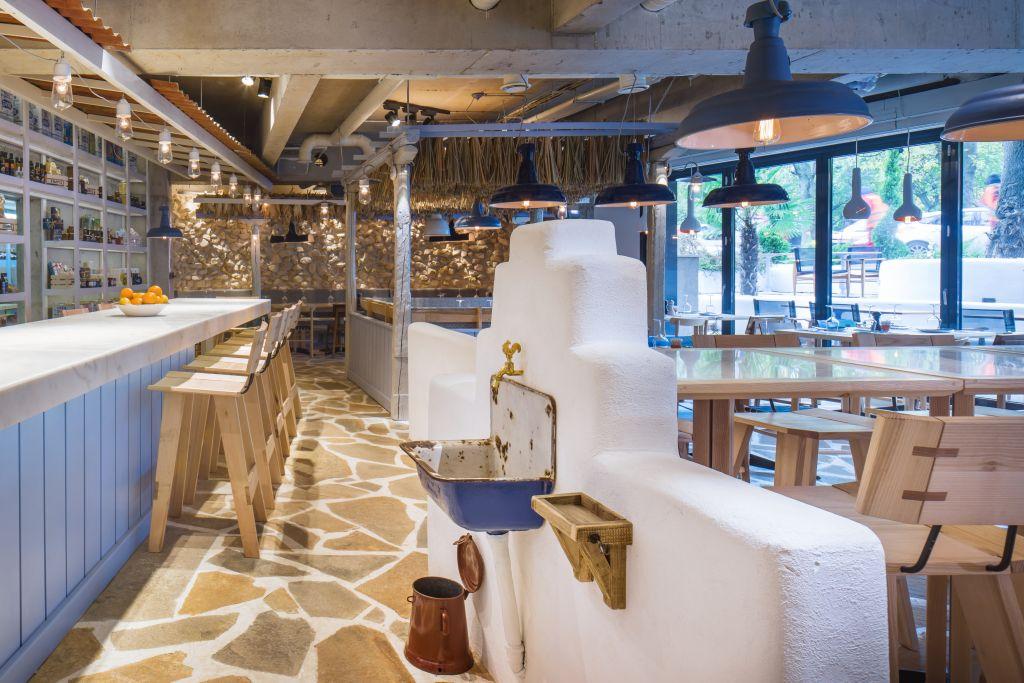 restaurant grecesc cu stuf