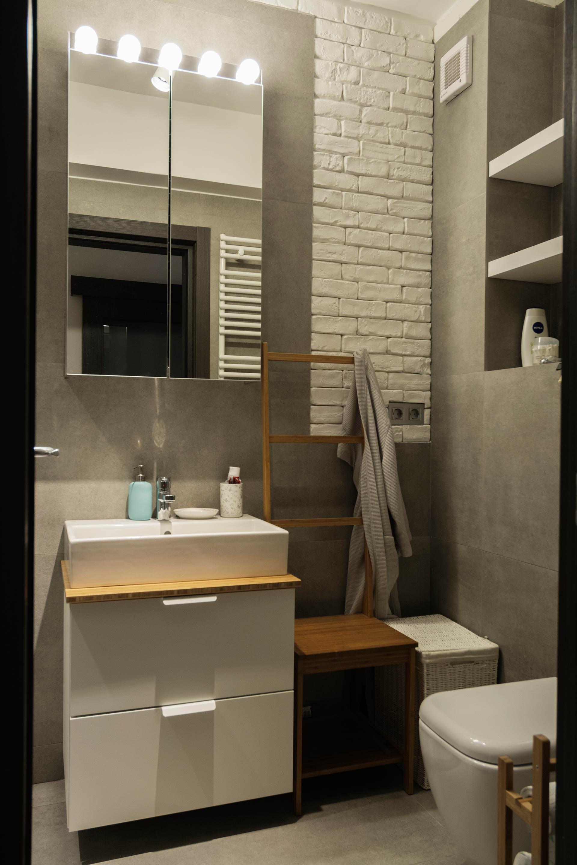 apartament cu look nordic baie accente industriale