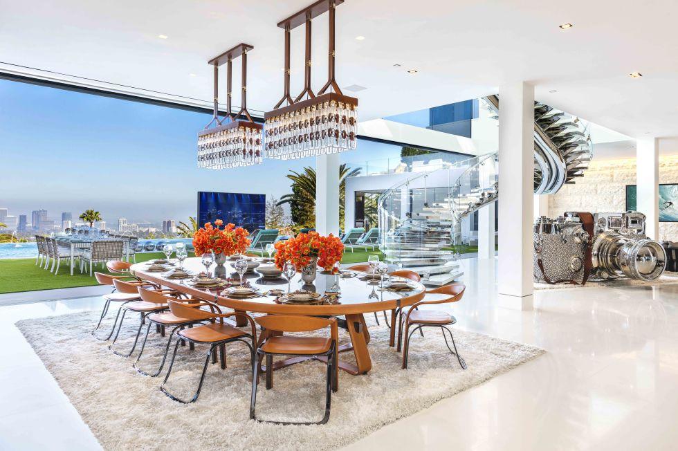 cea mai scumpa casa din America - dining room