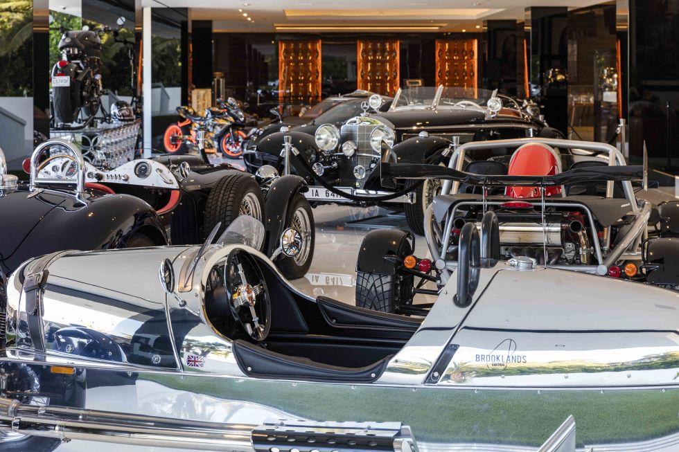 cea mai scumpa casa din America - expoxitia de masini