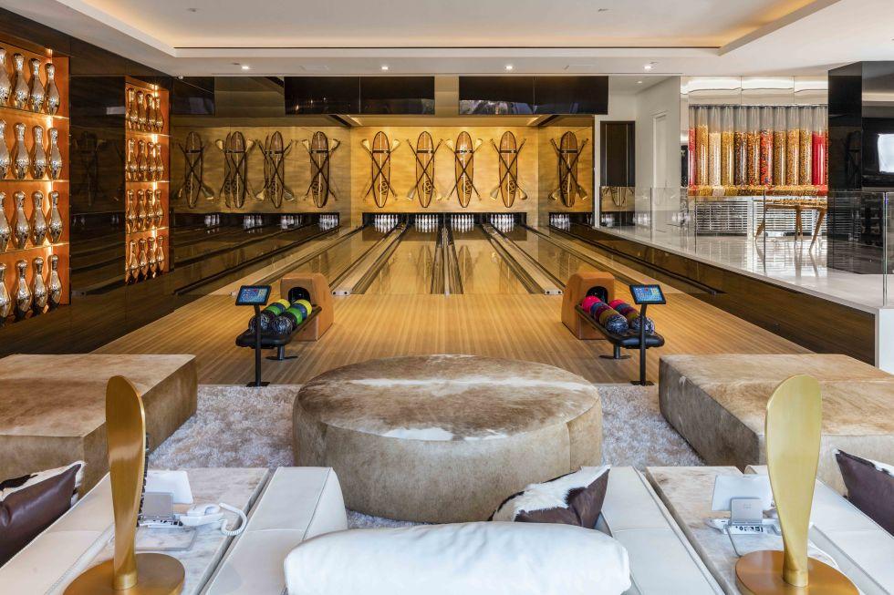 cea mai scumpa casa din America - sala de bowling