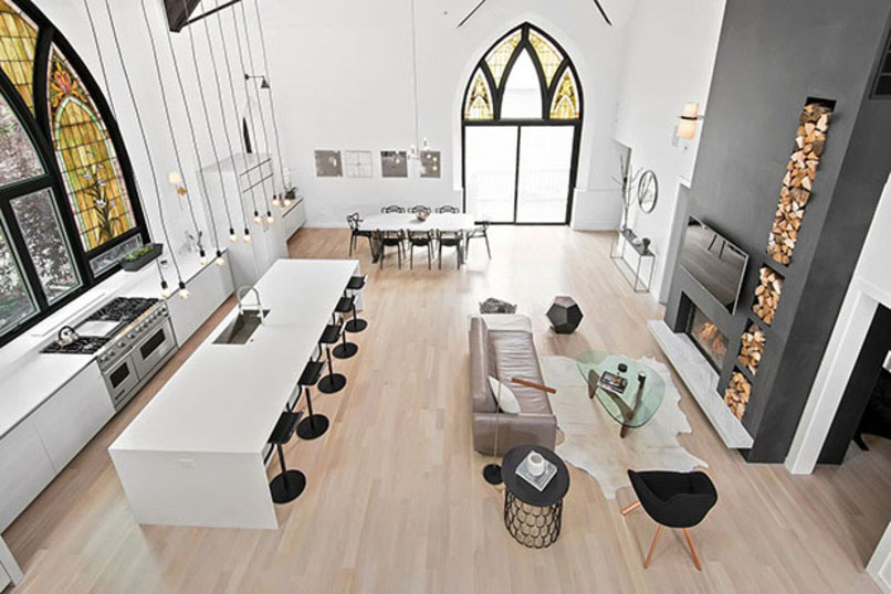 Biserica transformata in casa. Rezultatul este minunat!