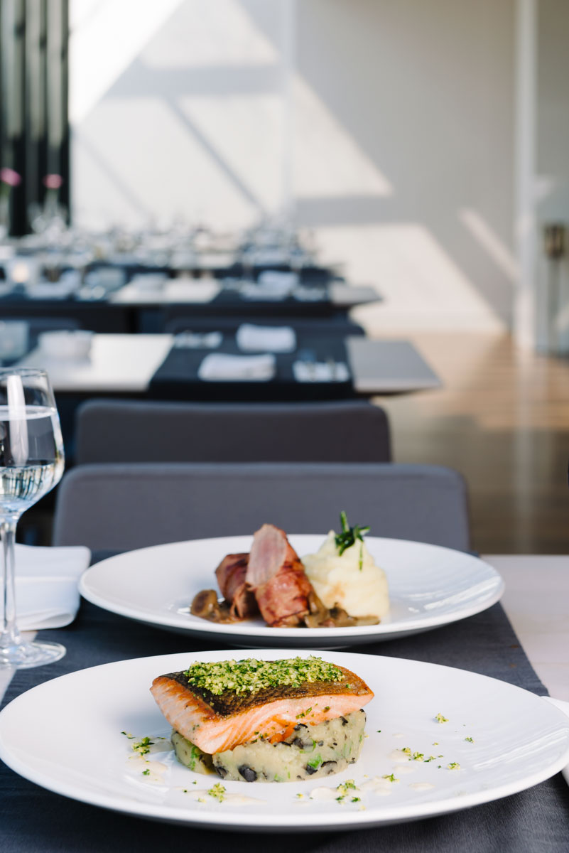 Restaurantul Privo, finalist la 2016 World Luxury Restaurant Awards. Il putem ajuta cu votul nostru sa castige