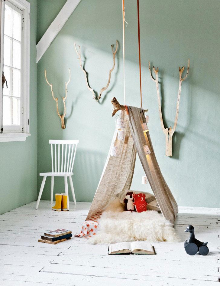 Decoratiuni si mobilier din crengi si busteni pentru camera copilului