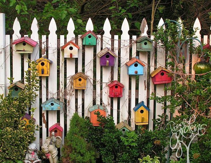 15 idei inspirate pentru decorarea gardului