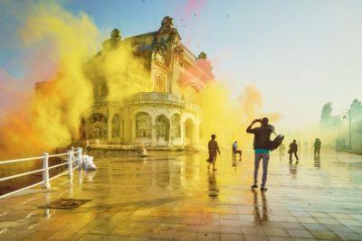 Cazinoul din Constanta, readus la viata cu 1,5 tone de sclipici multicolor