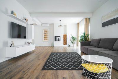 Interior minimalist sau cum arată viața când ai copil mic